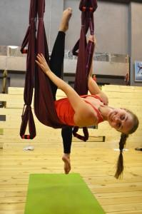йога в воздухе, fly yoga